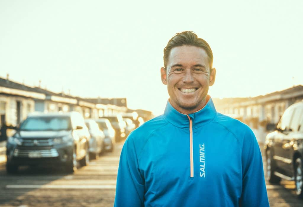 Jonas Colting, VM och EM-medaljör i triathlon cyklar för Loza Foundation